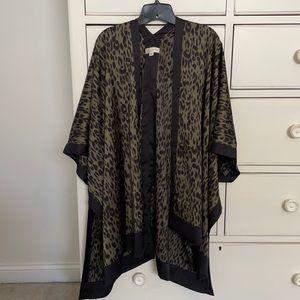 Love stitch short Leopard kimono
